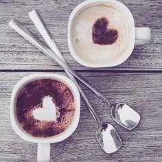 Expresso latte cappuccino americano or flat white? Coffee Is Life, I Love Coffee, Coffee Break, Best Coffee, My Coffee, Coffee Heart, Coffee Aroma, Irish Coffee, Coffee Girl
