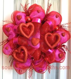 i want to make one of these! Just not sure if it will be for Valentine's, Christmas or ????