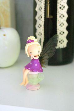 image 1 Polymer Clay Fairy, Sculpey Clay, Cute Polymer Clay, Polymer Clay Projects, Polymer Clay Charms, Polymer Clay Creations, Clay Crafts, Felt Crafts, Hobbit