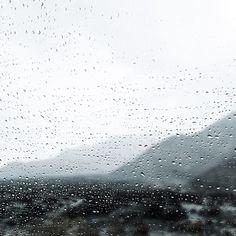 witanddelight:  Rainy drive in the desert.
