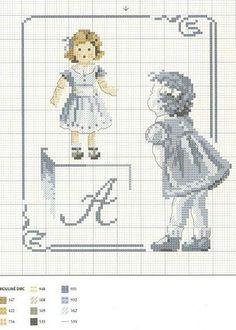 0 point de croix grille et couleurs de fils petite fille devant vitrine et poupée, lettre a