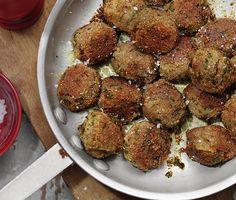 Vegobullar | Recept ICA.se Veggie Christmas, Xmas Food, Vegetarian Cooking, Vegetarian Recipes, Healthy Recipes, Vegetarian Burgers, Swedish Recipes, Plant Based Diet, Food Inspiration