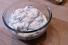 Savory date cream cheese dip - Yummi - Chips Chutneys, Dip For Tortilla Chips, Cheese Dip Recipes, Cream Cheese Dips, Just Eat It, Snacks Für Party, Pampered Chef, Tapas, Breakfast Recipes