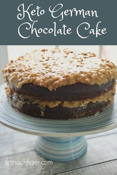 Keto German Chocolate Cake, from Spinach Tiger ketogermanchocolatecake ketocake lowcarbgermanchocolatecake ketodessert spinachtiger 232005818291374372 Desserts Keto, Keto Friendly Desserts, Low Carb Recipes, Dessert Recipes, Breakfast Recipes, Vegetarian Recipes, 4th Of July Desserts, Keto Cupcakes, Keto Cake