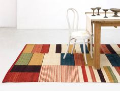 Nanimarquina Medina Rug - Inspired by old fashioned rugs, this collection, carried out using the kilim technique, recovers the essence of the rug, both in its texture and in its use. Kilim Cushions, Kilim Rugs, Rectangular Rugs, Space Furniture, Modern Furniture, Modern Rugs, Woven Rug, Home Decor Items, Rugs On Carpet