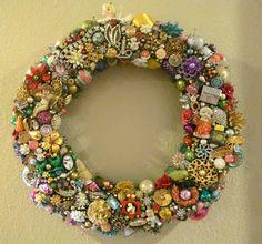 Ms Bingles Vintage Christmas: Sneak Peek....Vintage Jewelry Wreath....