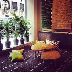 """Pour les D'DAYS 2015, la Manufacture Cogolin voyage en Orient et se transforme en """"Jardin Intérieur"""", signé India Mahdavi ☀️✨#apr #alexandrapr #aprparis #ddays #paris #festivaldudesign #saintgermain #cogolin #indiamahdavi #design #tapis #savoirfaire #couleurs #interiors #decor #installation"""