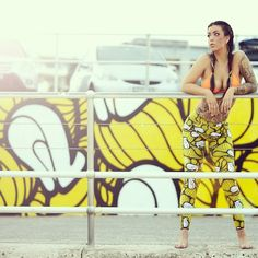 INSA Leggings - Yellow & Insa Wall