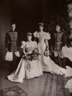 Sisters Victoria Melita, Gdss of Hesse with Crownprincess Marie of Romania. Mids 1890s