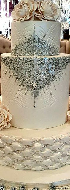 Buttercream and bling! See the finest designer cakes on Earth on RushWorld boards, WEDDING CAKES WE DO, I CAN'T BELIEVE IT'S CAKE and HELLO CUPCAKE. See you at RushWorld!