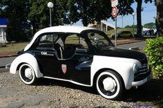 Anciennes voitures de Police. - Anciennes Restaurations
