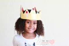 A Three Kings Day crowns craft that preschoolers can do all on their own! They even help create their own crown template! Add this kids crown craft to your Dia de Reyes celebration. Crown Crafts, Diy Crown, 3 Kings Day Crafts, Mixed Hair Care, Crown Template, Three Wise Men, Kings Crown, Toddler Hair, 12 Days Of Christmas