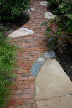 like the combination of brick and stone but it lacks someth. - front walkway idea…like the combination of brick and stone but it lacks something? Flagstone Pathway, Brick Pathway, Front Walkway, Walkways, Driveways, Wood Walkway, Walkway Ideas, Garden Stones, Garden Paths