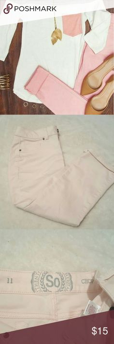 Light Pink Cropped Pant Light Pink Cropped Pant   ?Super Cute  ?2 pockets on the front and 2 on the back  ?Never worn, too small for me! ? They have stretch  ? Working button and zipper Jeans Ankle & Cropped