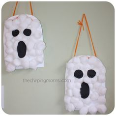 The Chirping Moms: Halloween Projects for the Kids. Autumn - Fall. Kids crafts - activities. Cotton ball ghosts.