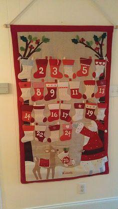 advent calendar Crochet Advent Calendar, Fabric Advent Calendar, Diy Calendar, Felt Christmas Ornaments, Christmas Signs, Christmas Diy, Calendrier Diy, Homemade Advent Calendars, Advent Calenders