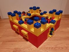 Here you can see a LEGO® Duplo castle. These and other building ideas are also available . - Here you can see a LEGO® Duplo castle. There are these and other building ideas BRICKaddict. Outdoor Family Photography, Sibling Photography, Children Photography, Lego Disney, Lego Minecraft, Lego Lego, Lego Batman, Minecraft Skins, Minecraft Buildings