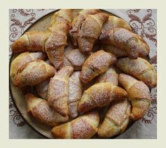 kudy-kam: Hradecké rohlíčky Czech Recipes, Pretzel Bites, French Toast, Food And Drink, Bread, Homemade, Cooking, Breakfast, Sweet