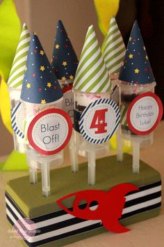 Perfect for a little spaceman party - rocket party printables
