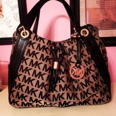 #michael #kors #purses Michael Kors Jet Set Striped Travel Large Black White Totes Makes You More Beautiful And Elegant, Come Here To Buy One!