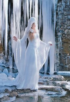 Andralys: Medieval and fairy fantasy gowns Snow Queen, Ice Queen, French Costume, Winter Fairy, Snow Fairy, Winter Magic, Fantasy Gowns, Fairy Clothes, Fantasy Photography