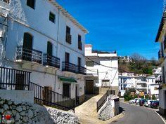 Calle de Mecina Bombarón Granada, Mansions, House Styles, Home Decor, Street, Grenada, Luxury Houses, Interior Design, Home Interior Design