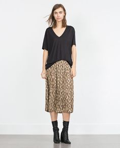 ZARA - WOMAN - BASIC T-SHIRT