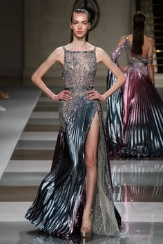 Ziad Nakad at Couture Fall 2019 - Runway Photos Couture Mode, Style Couture, Couture Fashion, Runway Fashion, High Fashion, Emo Fashion, Paris Fashion, Charlotte Ronson, Evening Dresses