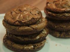 Cookies de Chocolate - http://cybercook.terra.com.br/receita-de-cookies-de-chocolate-r-7-15138.html