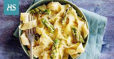 Voi-valkoviinikastike hurmaa parsapastassa parmesaanin kanssa.
