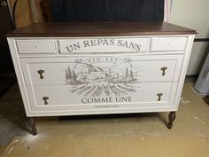 Annie Sloan chalk painted dresser with a redesign with prima furniture transfer. Annie Sloan Chalk Paint Dresser, Annie Sloan Chalk Paint Projects, Painted Furniture, Room, Painting, Home Decor, Bedroom, Decoration Home, Room Decor