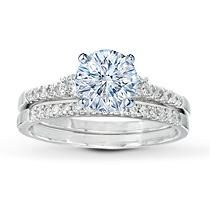 Want this to be yellow gold, I want the diamonds to shine!
