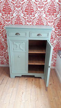 m bel streichen shabby chic m bel selber machen anrichte mit kreidefarbe annie sloan. Black Bedroom Furniture Sets. Home Design Ideas