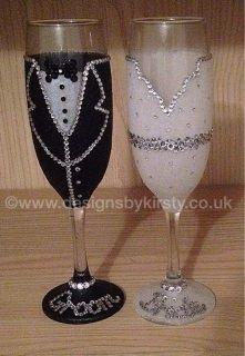 Bride and groom glitter glasses