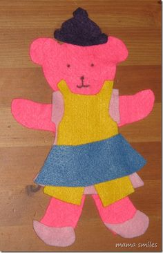 Felt dress-up bears - very easy to make for hours of play!