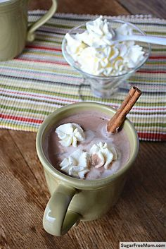 Homemade Sugar-Free Vanilla Cinnamon Hot Chocolate {dairy free option} / sugarfreemom.com