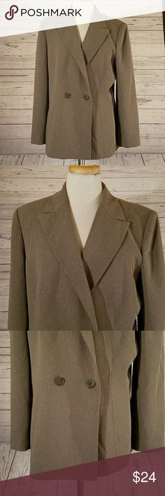 Le Suit Lined Career Blazer Jacket Size: 14 Tan Color - small zig zag pattern Fully Lined Padded shoulders 1 button on front but 2 hidden buttons (see pictures) NO pockets Both shell & lining are 100% Polyester  Approximate Measurements: Bust is 44 inches Sleeve Length is 24 inches Length of jacket is 27.5 inches (measured on back) Le Suit Jackets & Coats Blazers