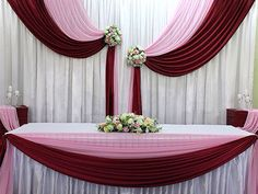 Wedding table head simple for 2019 Head Table Wedding, Bridal Table, Wedding Stage Decorations, Backdrop Decorations, Wedding Centerpieces, Decoration Evenementielle, Pipe And Drape, Head Tables, Backdrop Design