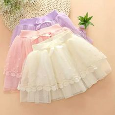 50 Ideas Baby Dress Princess Tutu Tutorial For 2019 Baby Girl Skirts, Baby Skirt, Little Girl Dresses, Baby Dress, Girls Dresses, Flower Girl Dresses, Fashion Kids, Princesa Tutu, Baby Frocks Designs