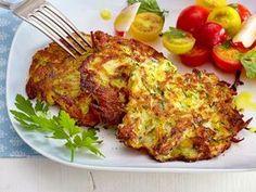 Zucchini Buffer - the simple recipe - kalorienarmes Essen - Homemade Burgers Best Pancake Recipe, Vegetarian Recipes, Healthy Recipes, Lentil Recipes, Homemade Burgers, Vegetable Side Dishes, Yummy Food, Good Food, Glass Noodle Salad