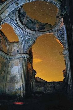 Ruins in Belchite, Spain - what a magical place.  Your imagination would just go wild here....great place to read Narnia Novels!
