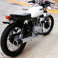Super Ideas for motor bike suzuki Cafe Bike, Cafe Racer Bikes, Cafe Racer Motorcycle, Cg 125 Cafe Racer, Suzuki Cafe Racer, Honda 125, Motos 125cc, Tracker Motorcycle, Motorbike Design