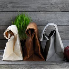 Traditional lunch bags have undergone a classic makeover on this latest Brown Bag Waxed Canvas Lunch Bags released by Italic Home.