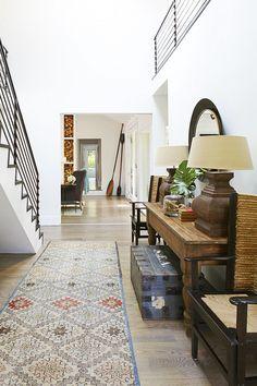 Hamptons Project.  Clean and crisp, modern vs antique #laurenRubensteinphotography #billyrobertsdesign