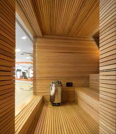 Sauna/The P House designed by Studio & Marcio Kogan + Lair Reis, São Paulo, Brazil - Saunas, Diy Sauna, Sauna Steam Room, Sauna Room, Garden Studio, Home Studio, Sauna A Vapor, Sauna House, Studio Mk27