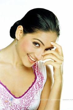 Kanchi Kaul Most Beautiful People, Beautiful Bollywood Actress, Classic Beauty, India, Asian, Actresses, Celebrities, Female Actresses, Delhi India
