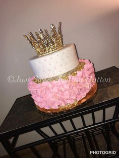 Who wants a birthday cake? Who wants a birthday cake? If he wants … – cake like to # … # Sweet 16 Birthday Cake, Beautiful Birthday Cakes, 21st Birthday Cakes, 19th Birthday, Birthday Ideas, 18th Birthday Cake For Girls, 16th Birthday Decorations, Sleepover Birthday Parties, Girl Birthday