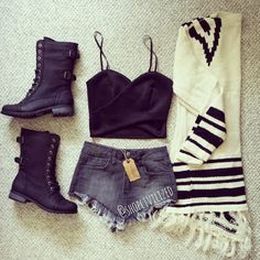 Obessed with this outfit perfect for a cool summer night