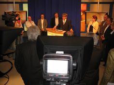 """Zu Gast in den """"heiligen vier Wänden"""", dem TVO-Studio."""