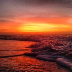 Rojos amarillos naranjas. . Que más puedo pedir. . Boca de Pozo Margarita Venezuela . #my_sunset #venezuelasunsets #venezuelafotos_ #venezuela_captures #loves_venezuela #gf_Venezuela #elnacionalweb #wu_caribbean #icu_venezuela #ig_vargas_  #trippics #thebestskyever #V_E_N_E_Z_U_E_L_A_ #ig_phenomenal #1atardecervenezolano #world_bestsky #galeriaclub #galeriavzla #ConoceVenezuela #playasdevenezuela #loves_caribbeansea #instapro_ve #margarita_ve #adrenalina1037 #ig_dreamsunsets…